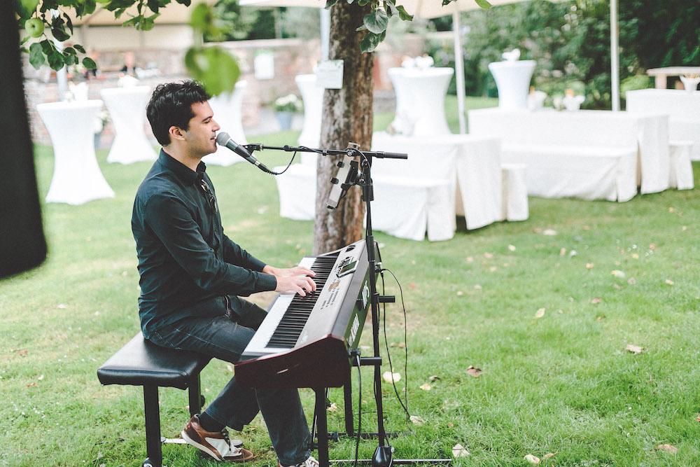 Eugen Nevo Hochzeitssaenger Pianist 02