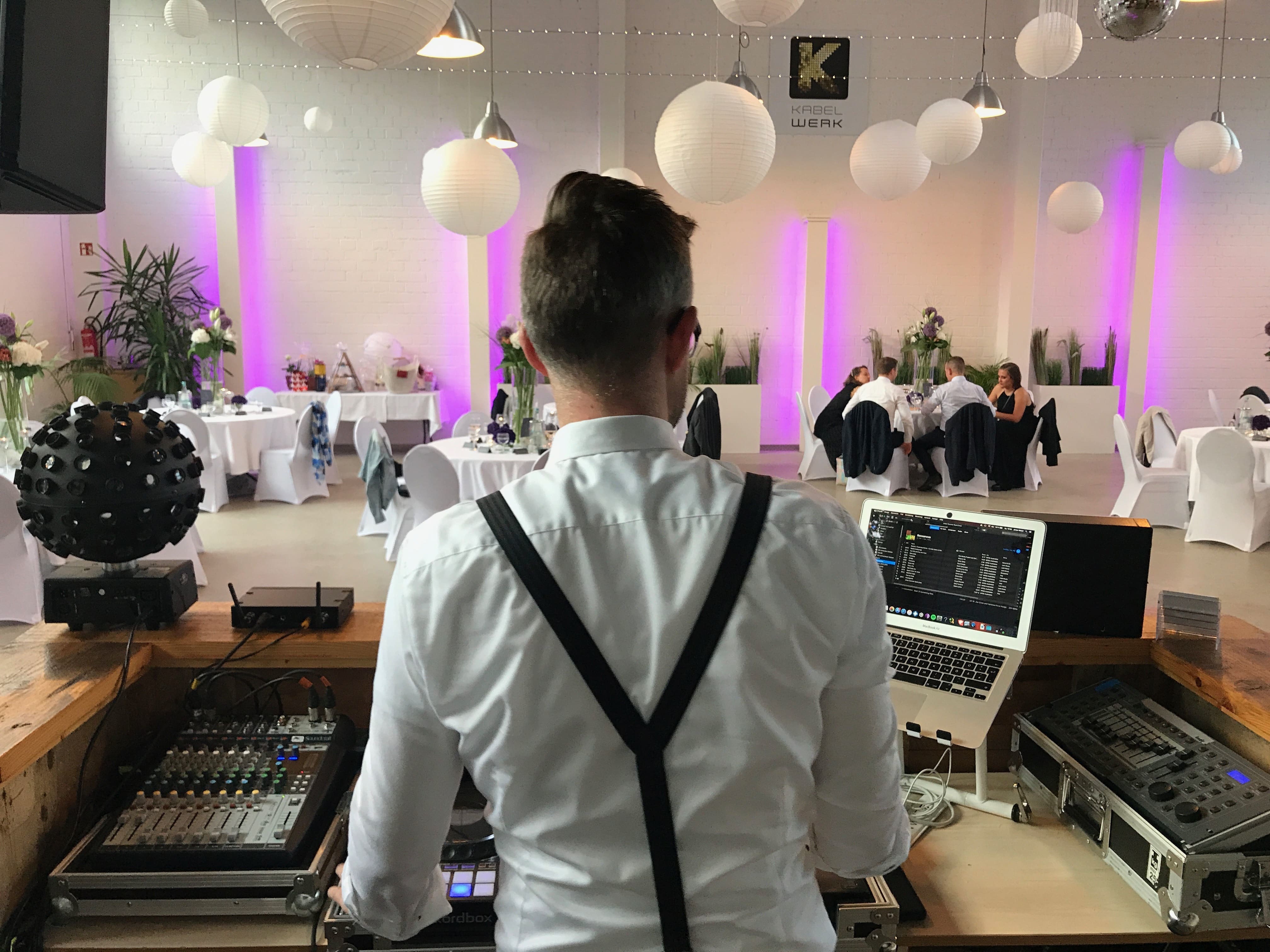 Jonas Moser DJ DJ Hochzeit 03 – gesehen bei frauimmer-herrewig.de