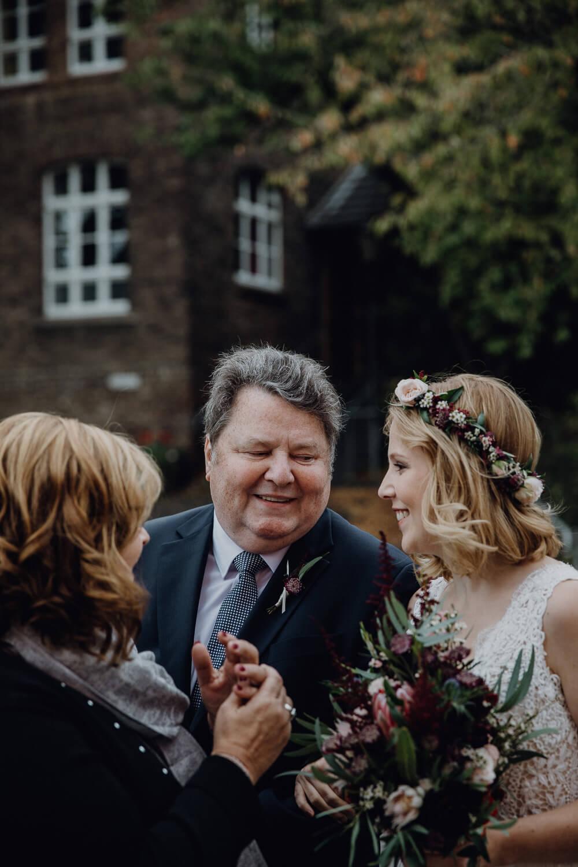 Hochzeitsfotograf koeln bonn duesseldorf karoundjens jens wenzel karolin schell 107 JW 40168 – gesehen bei frauimmer-herrewig.de