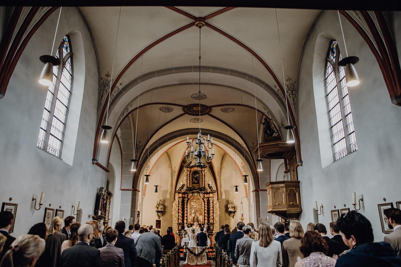 Hochzeitsfotograf koeln bonn duesseldorf karoundjens jens wenzel karolin schell 121 JW 40506 – gesehen bei frauimmer-herrewig.de