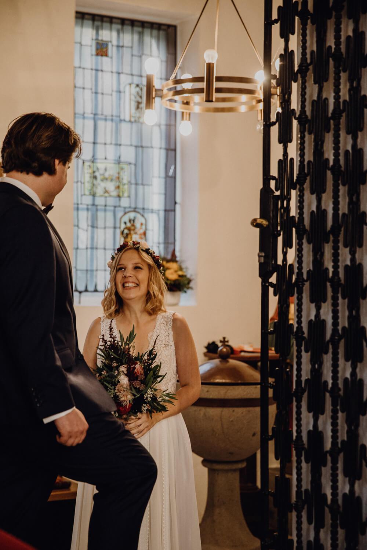 Hochzeitsfotograf koeln bonn duesseldorf karoundjens jens wenzel karolin schell 125 JW 40592 – gesehen bei frauimmer-herrewig.de
