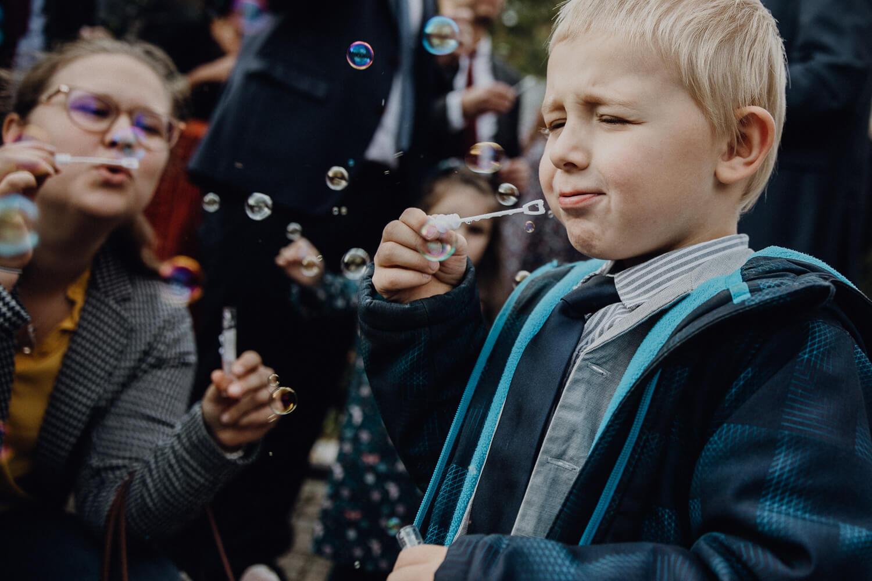 Hochzeitsfotograf koeln bonn duesseldorf karoundjens jens wenzel karolin schell 128 JW 40668 – gesehen bei frauimmer-herrewig.de
