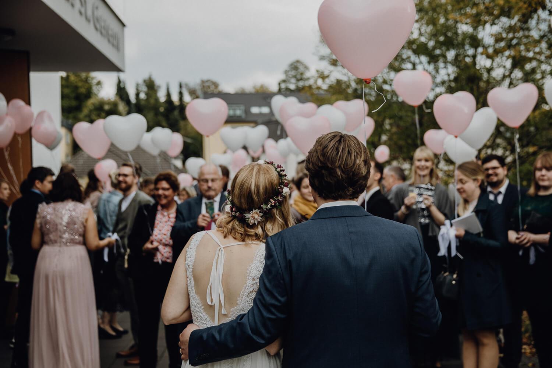 Hochzeitsfotograf koeln bonn duesseldorf karoundjens jens wenzel karolin schell 129 JW 40924 – gesehen bei frauimmer-herrewig.de