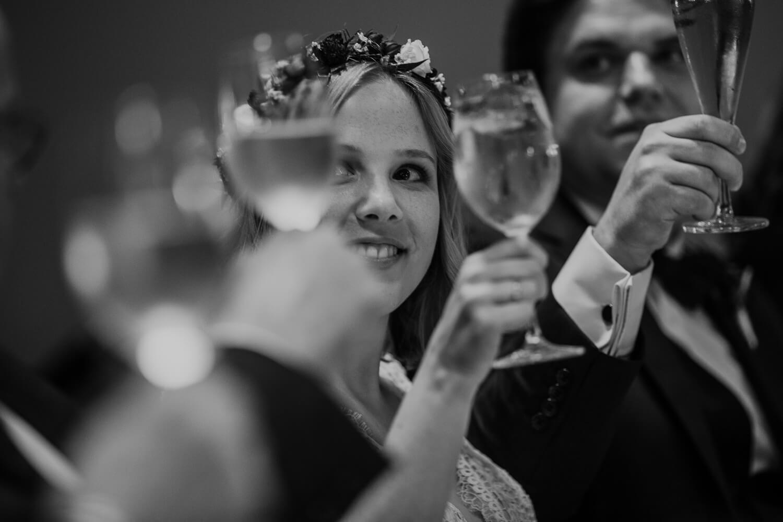 Hochzeitsfotograf koeln bonn duesseldorf karoundjens jens wenzel karolin schell 149 JW 30300 – gesehen bei frauimmer-herrewig.de