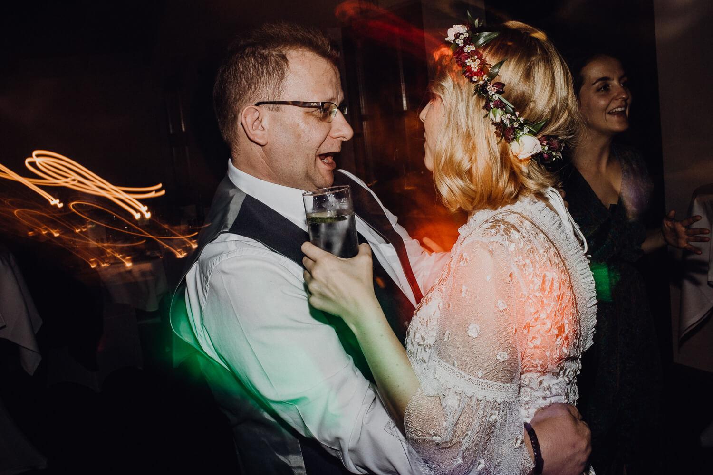 Hochzeitsfotograf koeln bonn duesseldorf karoundjens jens wenzel karolin schell 172 JW 42322 – gesehen bei frauimmer-herrewig.de
