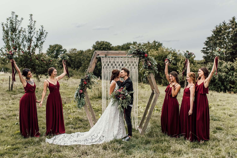 Rockig Romantisch Boho Hochzeitskonzept Von Kisses Karma Frau