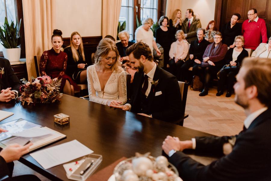 Lenaundsebastian wilddaisy hochzeit wedding standesamt du sseldorf uerige spoerl fabrik nrw photographienicoleotto DSC4697
