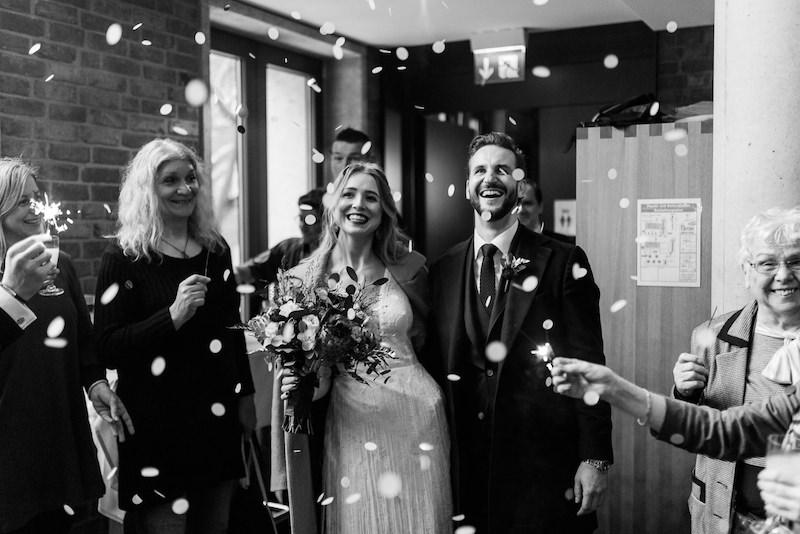 Lenaundsebastian wilddaisy hochzeit wedding standesamt du sseldorf uerige spoerl fabrik nrw photographienicoleotto DSC4946