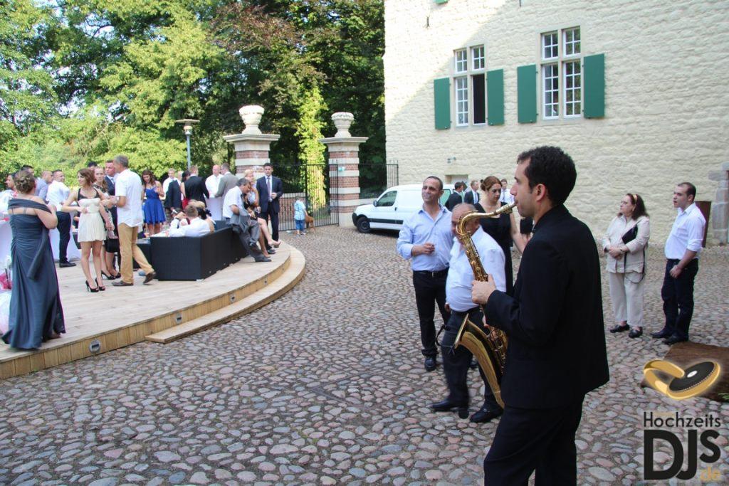 Empfang Saxophon by Mobile Hochzeits DJs – gesehen bei frauimmer-herrewig.de