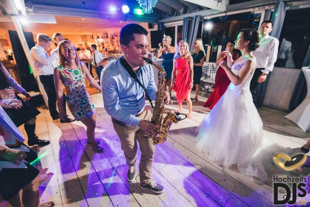 Party Saxophon by Mobile Hochzeits DJs – gesehen bei frauimmer-herrewig.de