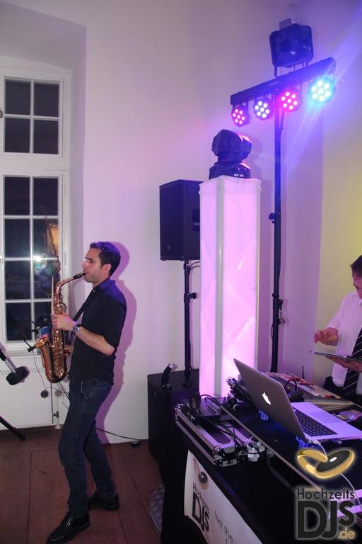 Saxophon mit DJ by Mobile Hochzeits DJs – gesehen bei frauimmer-herrewig.de