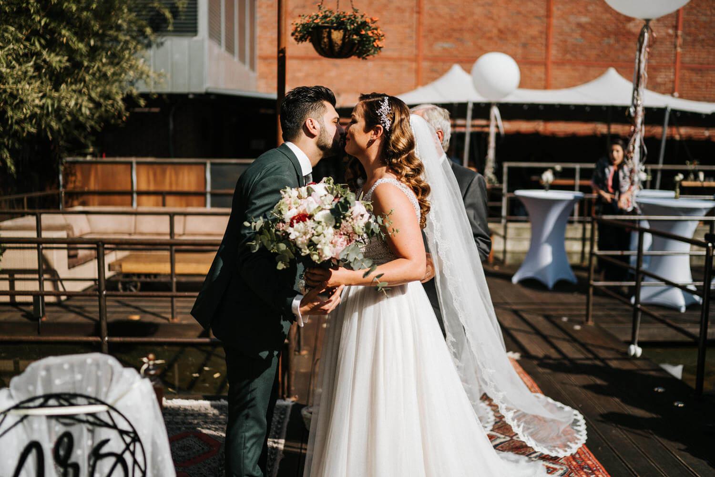 Hochzeitsfotograf Koeln www.stefanochiolo.de 22 von 61  – gesehen bei frauimmer-herrewig.de