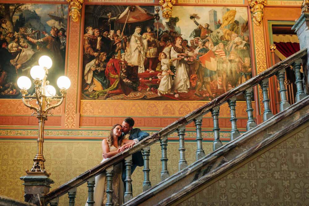 Paarshooting auf Schloss Drachenburg – gesehen bei frauimmer-herrewig.de