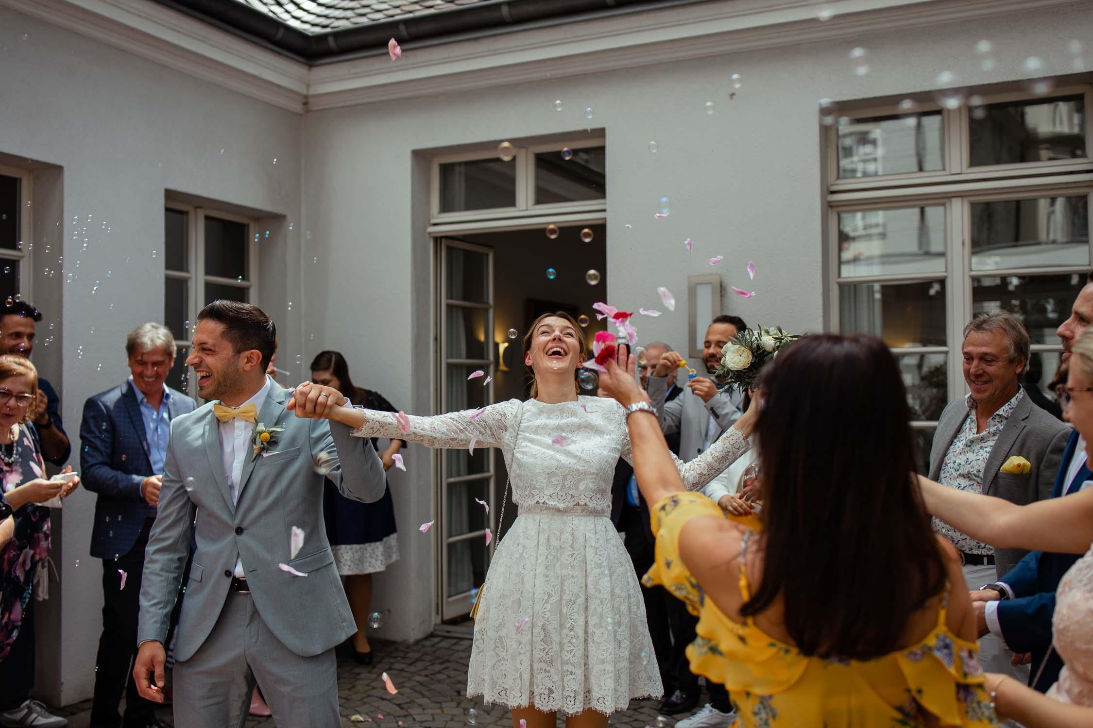HochzeitsfotografKoeln BrautKleid AuthenticWeddingPhotography HochzeitsfotografDuesseldorf Hochzeitsfotograf HochzeitsfotografNRW AndreBastosFotografie14