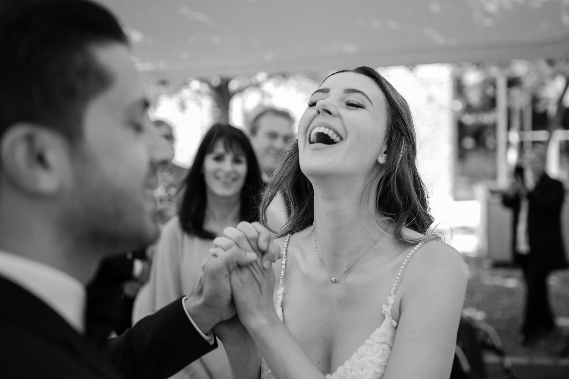 HochzeitsfotografKoeln BrautKleid AuthenticWeddingPhotography HochzeitsfotografDuesseldorf Hochzeitsfotograf HochzeitsfotografNRW AndreBastosFotografie47