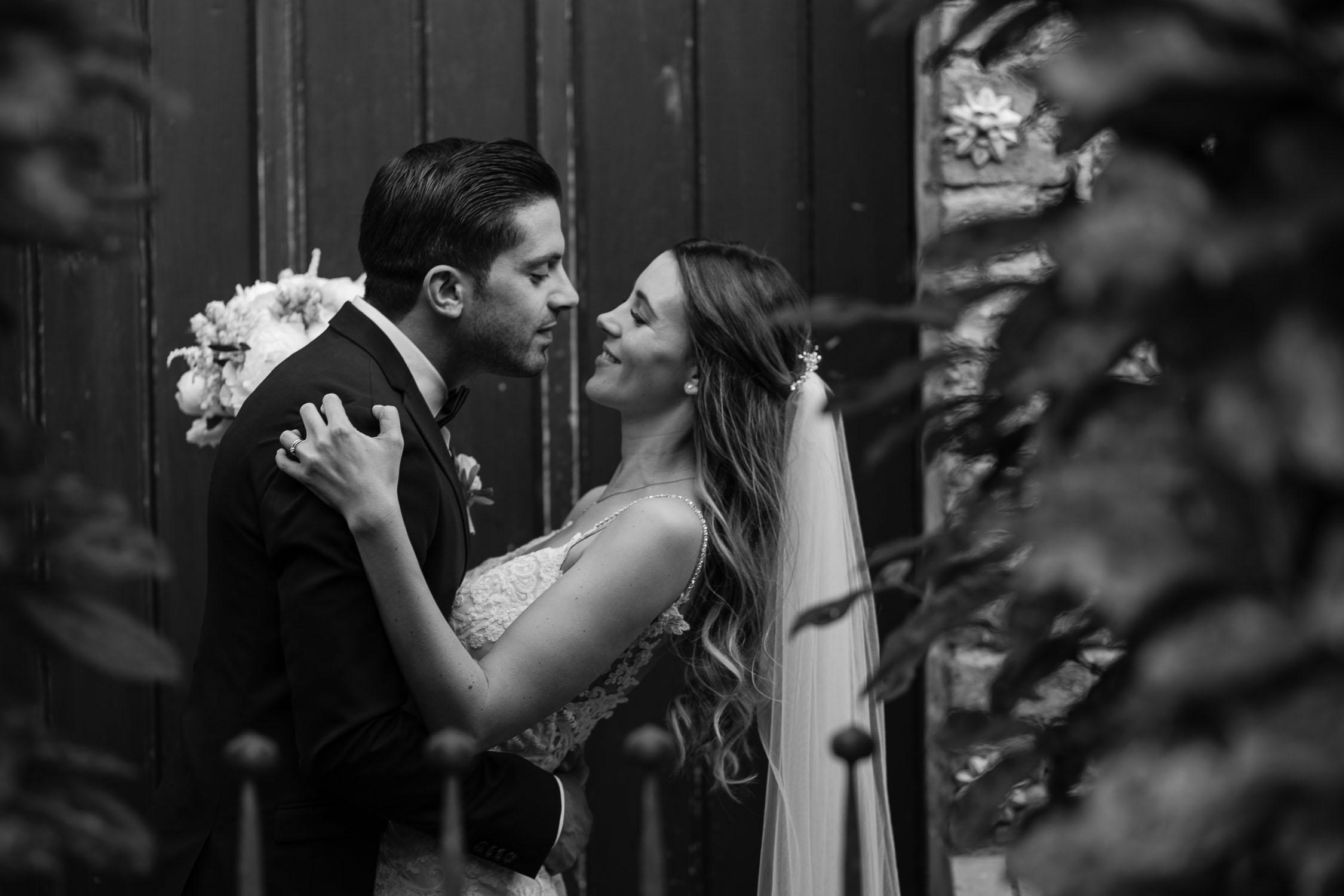 HochzeitsfotografKoeln BrautKleid AuthenticWeddingPhotography HochzeitsfotografDuesseldorf Hochzeitsfotograf HochzeitsfotografNRW AndreBastosFotografie51