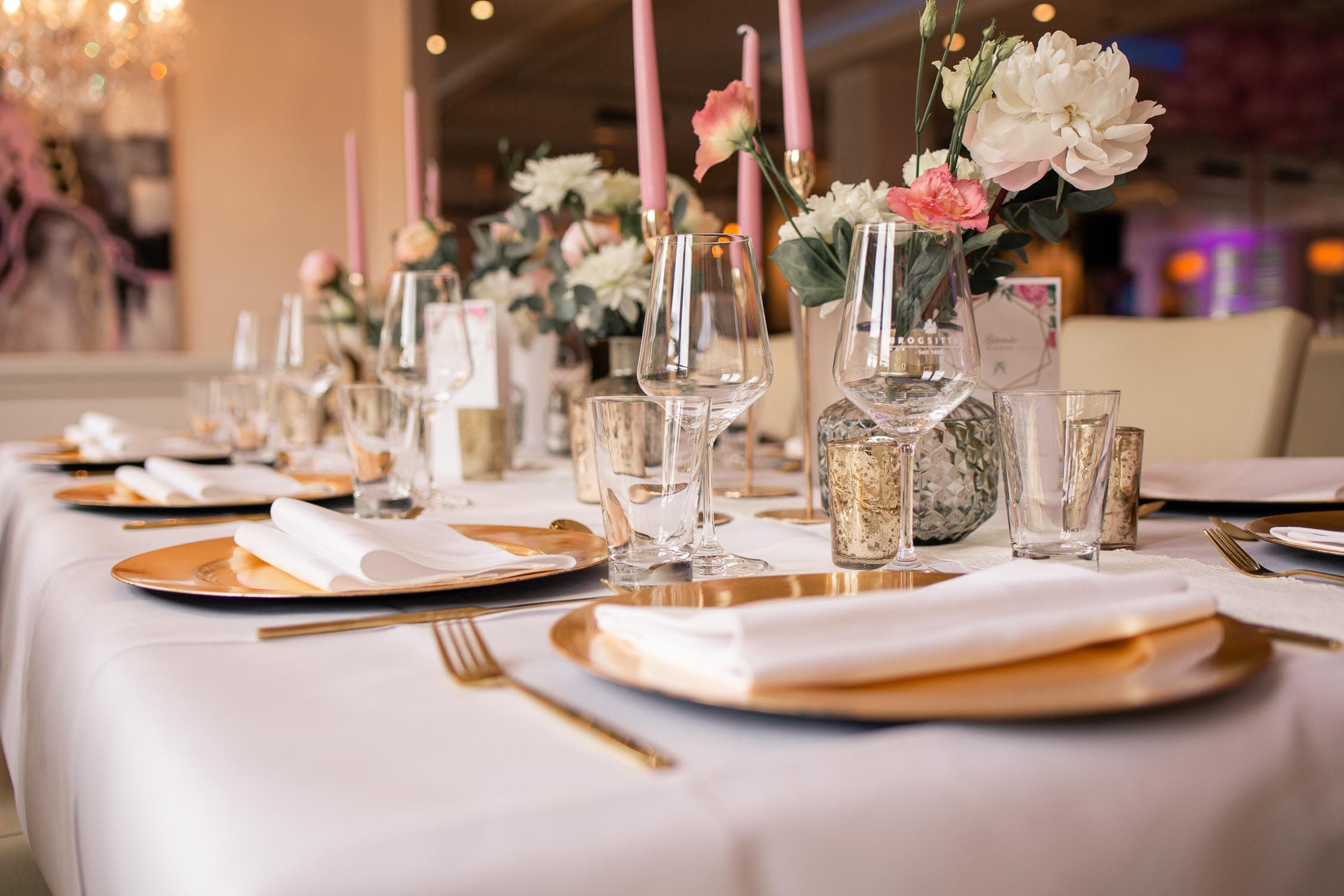 Tischdekoration Hochzeit – gesehen bei frauimmer-herrewig.de