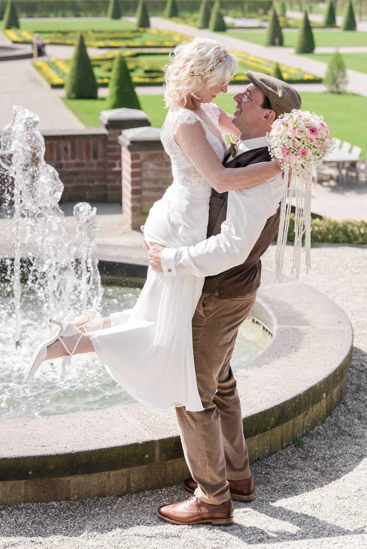 Hochzeitsfotografie Koeln Behind The Curtain Photography 006 – gesehen bei frauimmer-herrewig.de