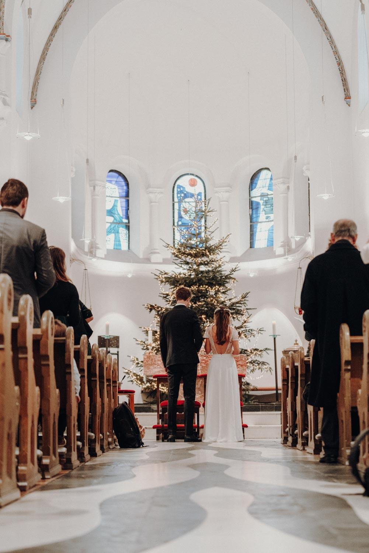 Hochzeitsfotografie Koeln Behind The Curtain Photography 036 – gesehen bei frauimmer-herrewig.de