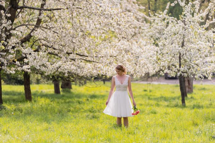 Claudia Heller Modedesign kurzes Brautkleid April min – gesehen bei frauimmer-herrewig.de