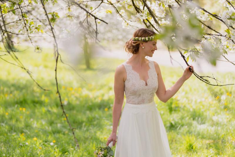 Florales Hochzeitskleid mit Macrame-Spitze – gesehen bei frauimmer-herrewig.de