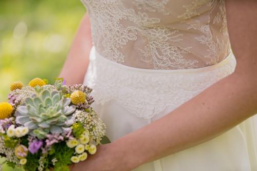 Claudia Heller Modedesign kurzes Brautkleid Lilli 5 min – gesehen bei frauimmer-herrewig.de