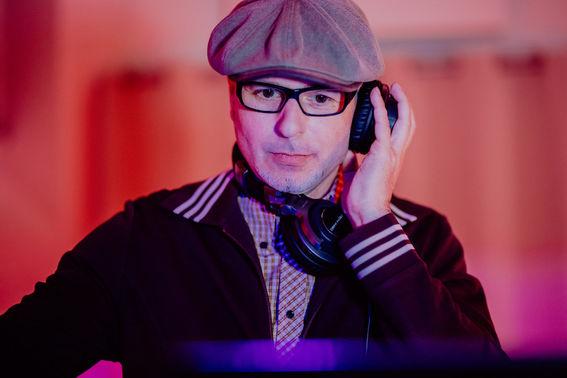 DJ Grooveshaker HochzeitsDJ Koeln – gesehen bei frauimmer-herrewig.de