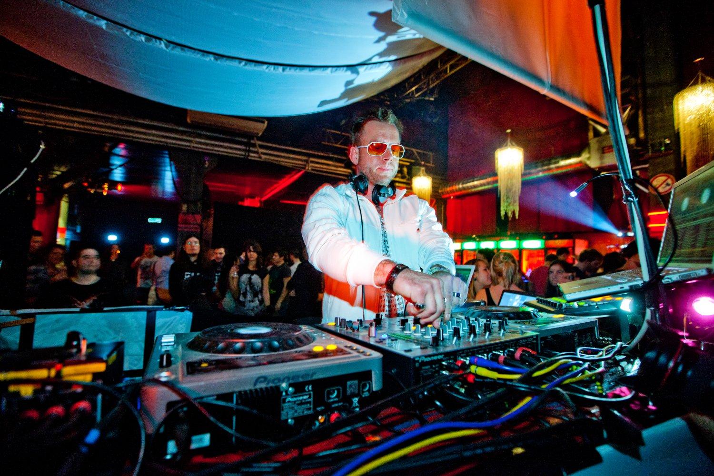 DJ Ingo im Club – gesehen bei frauimmer-herrewig.de