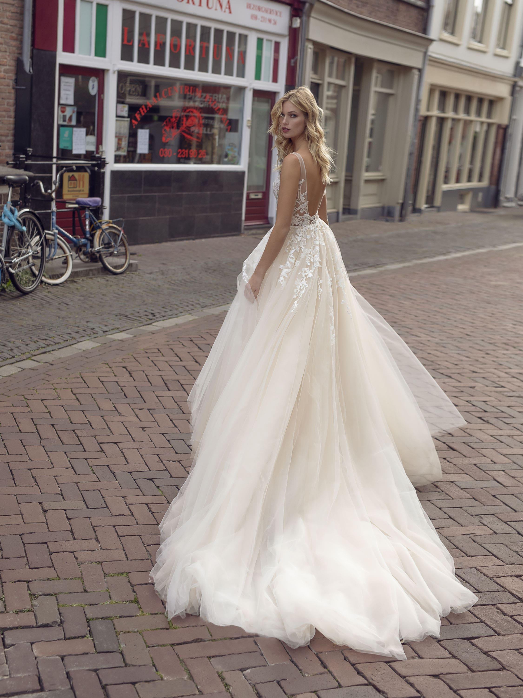 Hochzeitskleid für die Märchenhochzeit – gesehen bei frauimmer-herrewig.de