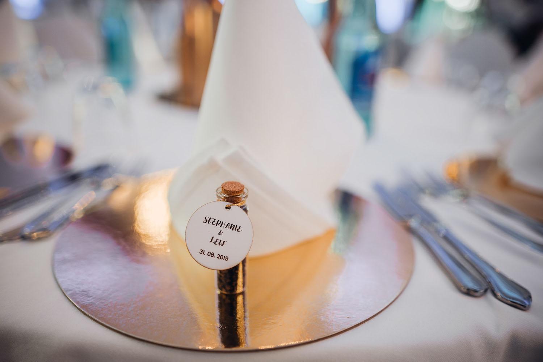 Hochzeitspapeterie für die Tischdeko – gesehen bei frauimmer-herrewig.de