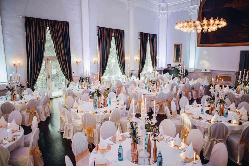 Festsaal Hochzeitsfeier – gesehen bei frauimmer-herrewig.de
