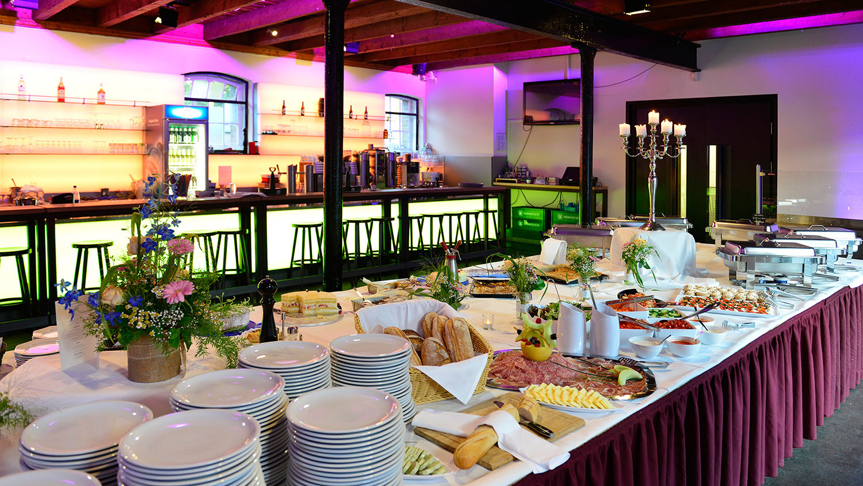 Hochzeitsbuffet im Kölner Eltzhof – gesehen bei frauimmer-herrewig.de