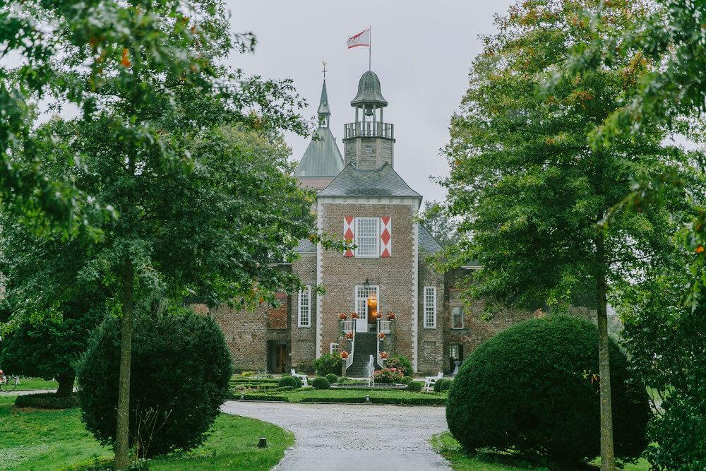 Schloss Hertefeld – gesehen bei frauimmer-herrewig.de