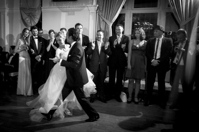 Eröffnungstanz Hochzeit – gesehen bei frauimmer-herrewig.de