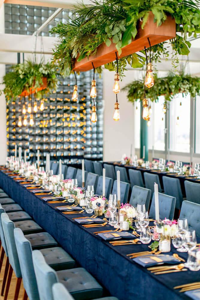 Tischdeko Hochzeit modern und elegant – gesehen bei frauimmer-herrewig.de