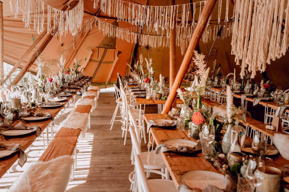 Boho Hochzeit im Tipi – gesehen bei frauimmer-herrewig.de