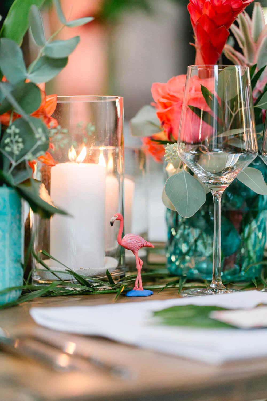 Flamingo Tischdeko Hochzeit – gesehen bei frauimmer-herrewig.de