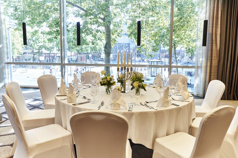 Hochzeitsfeier in Köln im Steigenberger Hotel Köln – gesehen bei frauimmer-herrewig.de