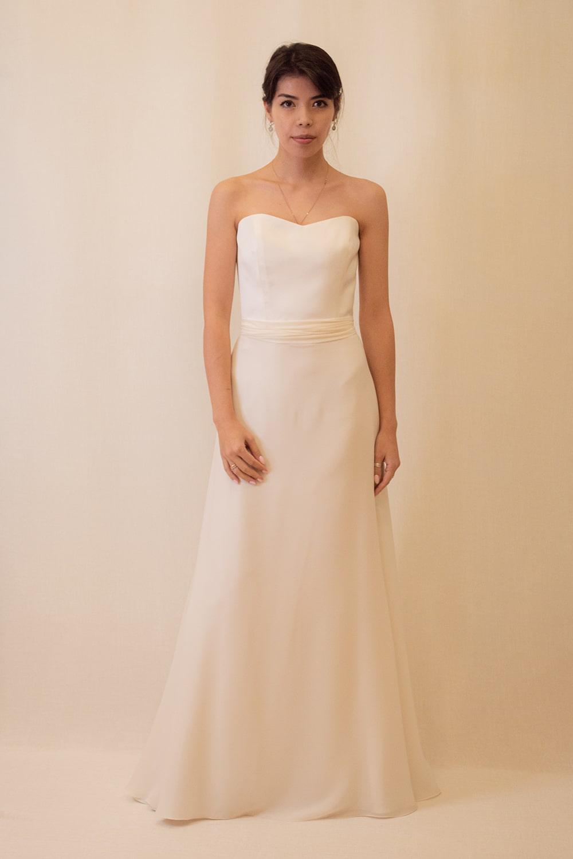 Hochzeitskleid mit Chiffonrock – gesehen bei frauimmer-herrewig.de