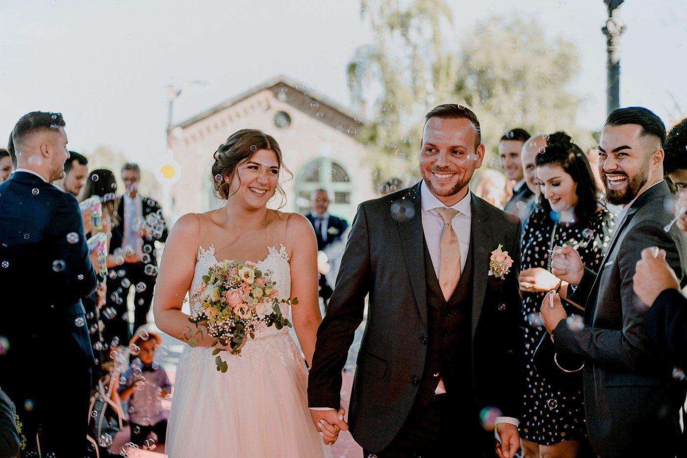 Brautpaar auszug – gesehen bei frauimmer-herrewig.de