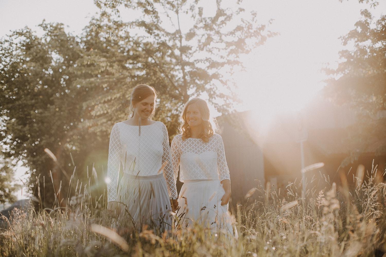 Hochzeits-Fotoshooting zur Golden Hour – gesehen bei frauimmer-herrewig.de