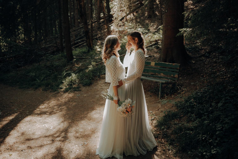 After Wedding Shooting im Wald – gesehen bei frauimmer-herrewig.de
