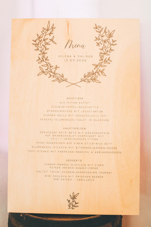 Hochzeitsdruck auf Holz – gesehen bei frauimmer-herrewig.de