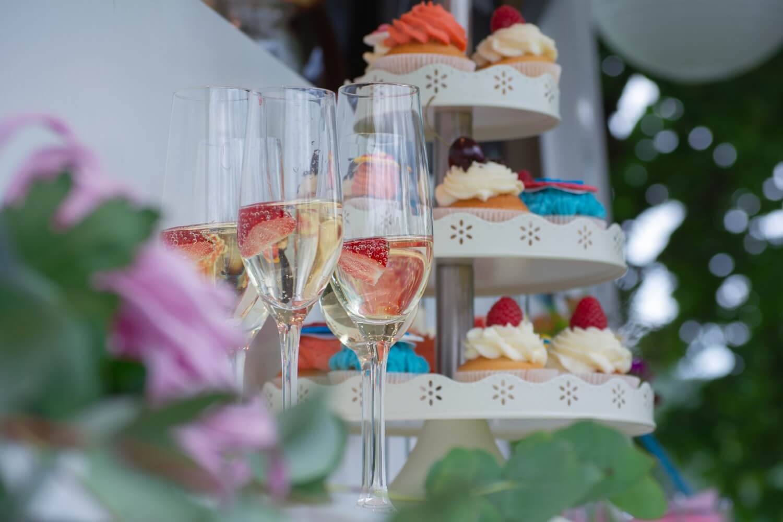 Bunte Cupcakes – gesehen bei frauimmer-herrewig.de
