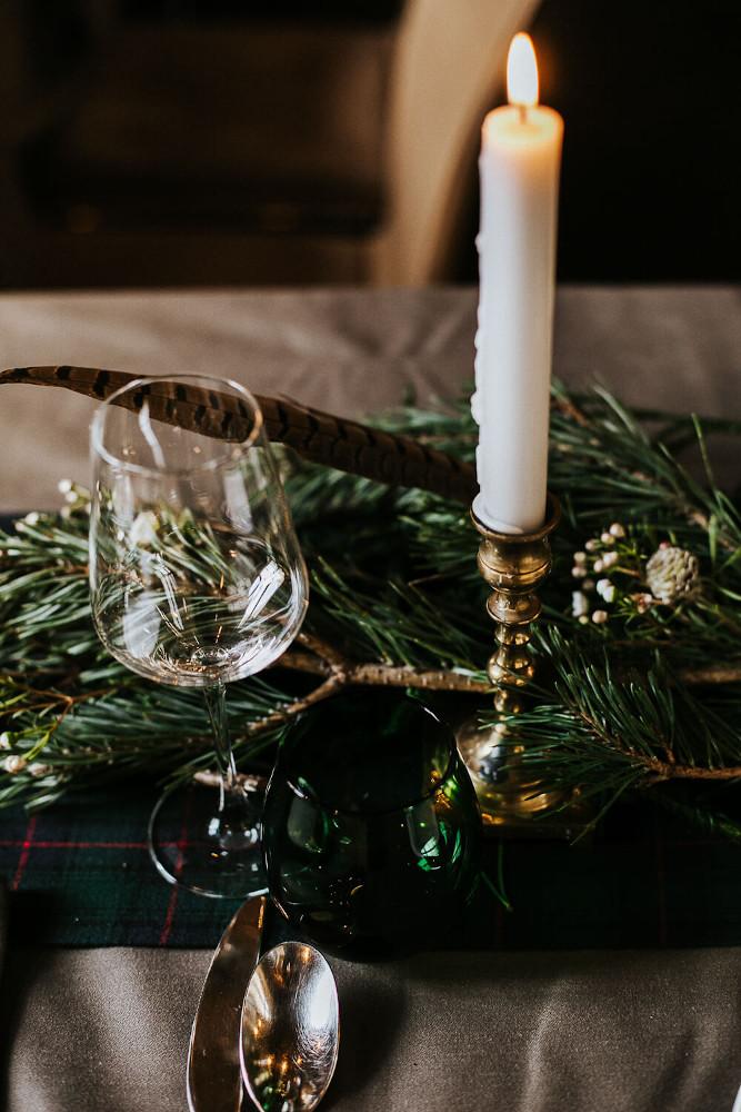 Winterliche Tischdeko Hochzeit – gesehen bei frauimmer-herrewig.de