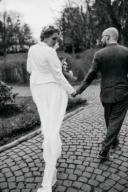 Weißer Hosenanzug für die Braut – gesehen bei frauimmer-herrewig.de