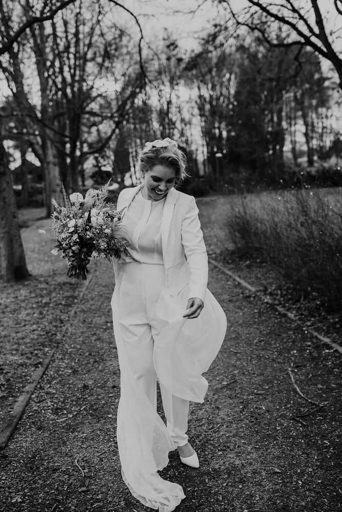 Hosenanzug Brautmode – gesehen bei frauimmer-herrewig.de