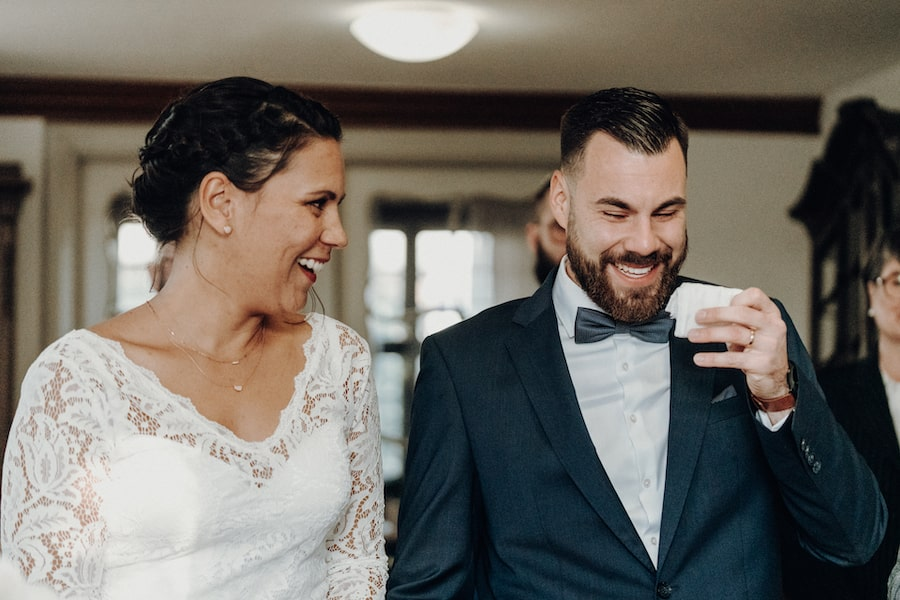frohes Brautpaar – gesehen bei frauimmer-herrewig.de
