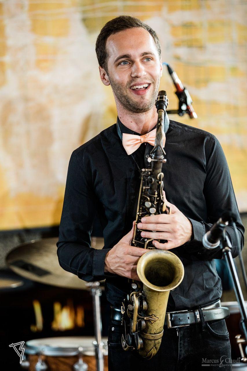 Saxophon auf Hochzeit – gesehen bei frauimmer-herrewig.de