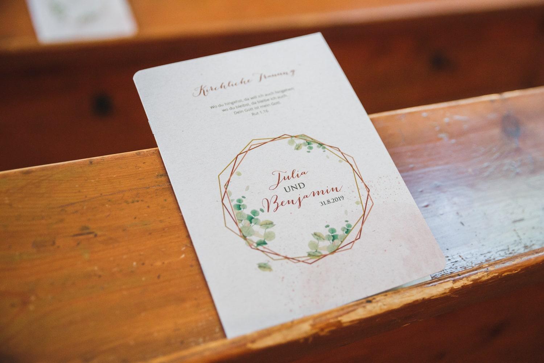 Hochzeitspapeterie: Programm für die Kirche – gesehen bei frauimmer-herrewig.de